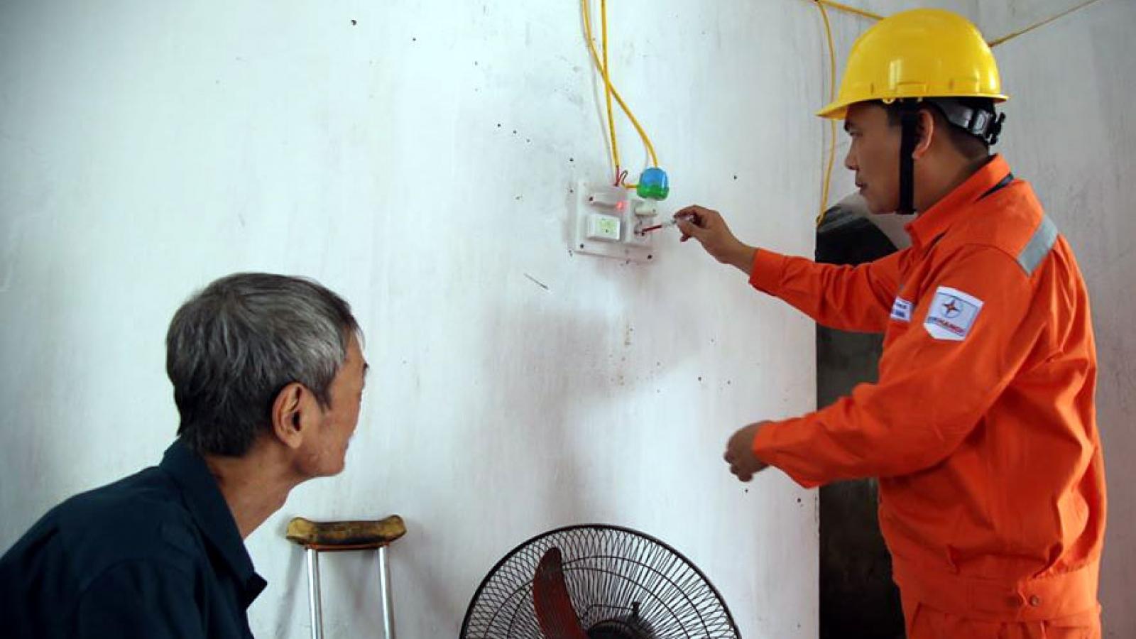 Tiền điện tăng vọt, dân nghi ngờ cách ghi chỉ số công tơ của EVN