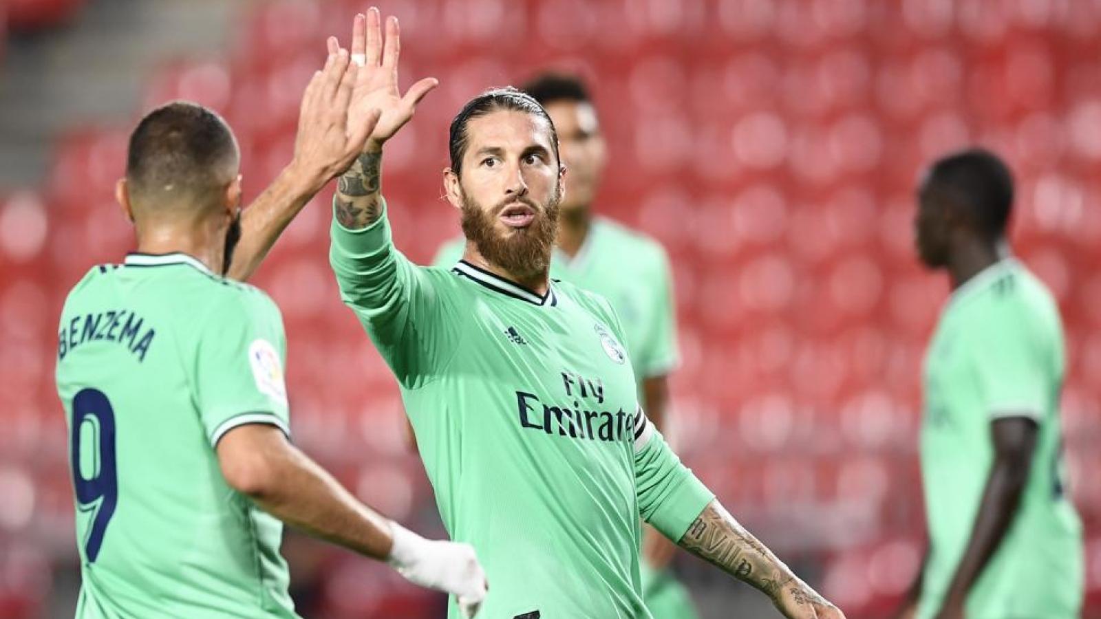 Sergio Ramos cứu thua trên vạch vôi, Real Madrid thắng thót tim Granada