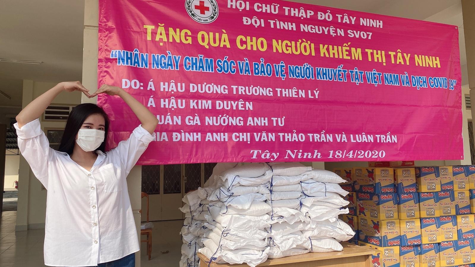 Á hậu Kim Duyên ủng hộ 1 tấn gạo cho người khiếm thị ở Tây Ninh