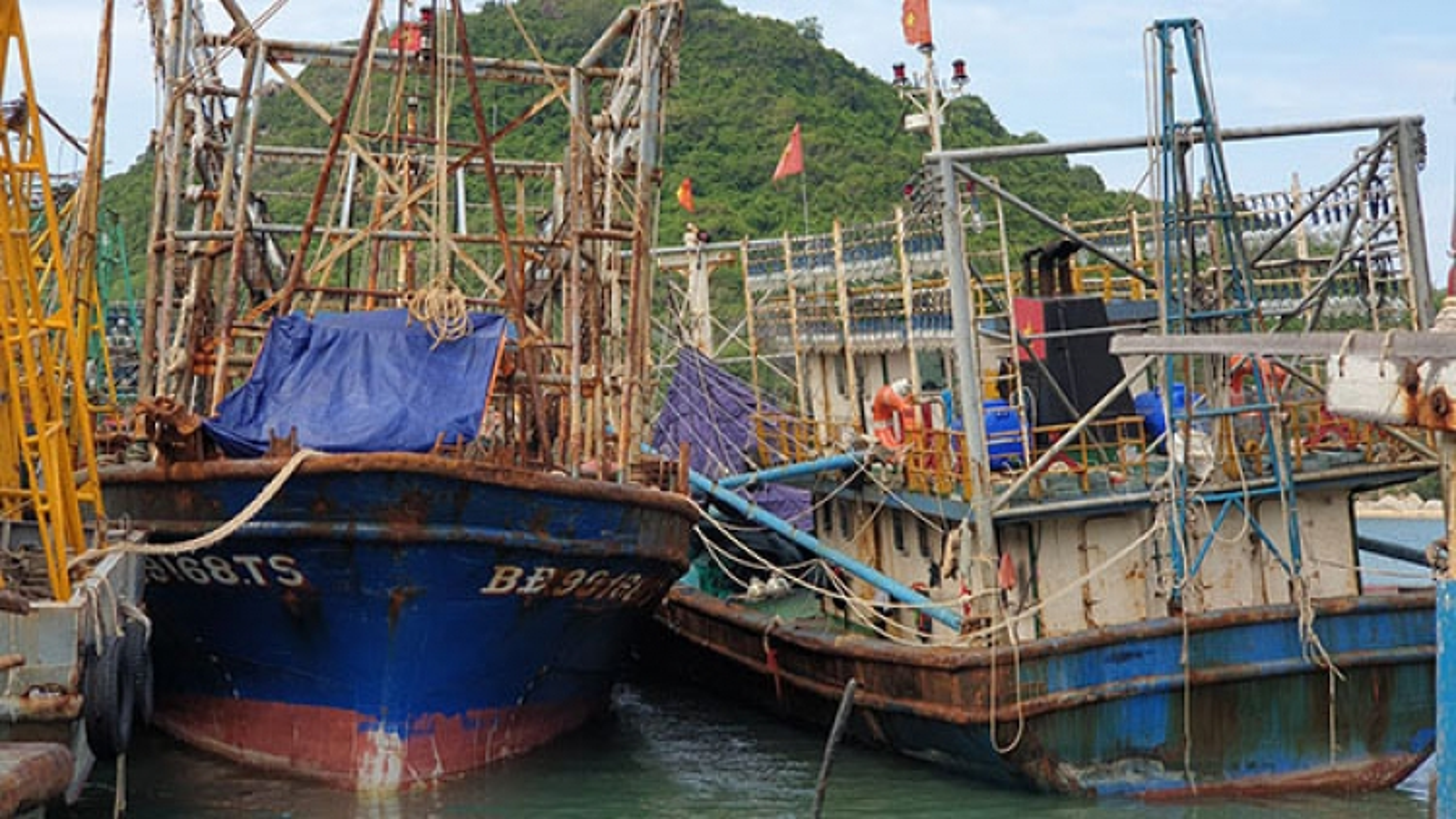 Tàu vỏ thép đóng mới theo Nghị định 67: Ngân hàng khởi kiện chủ tàu