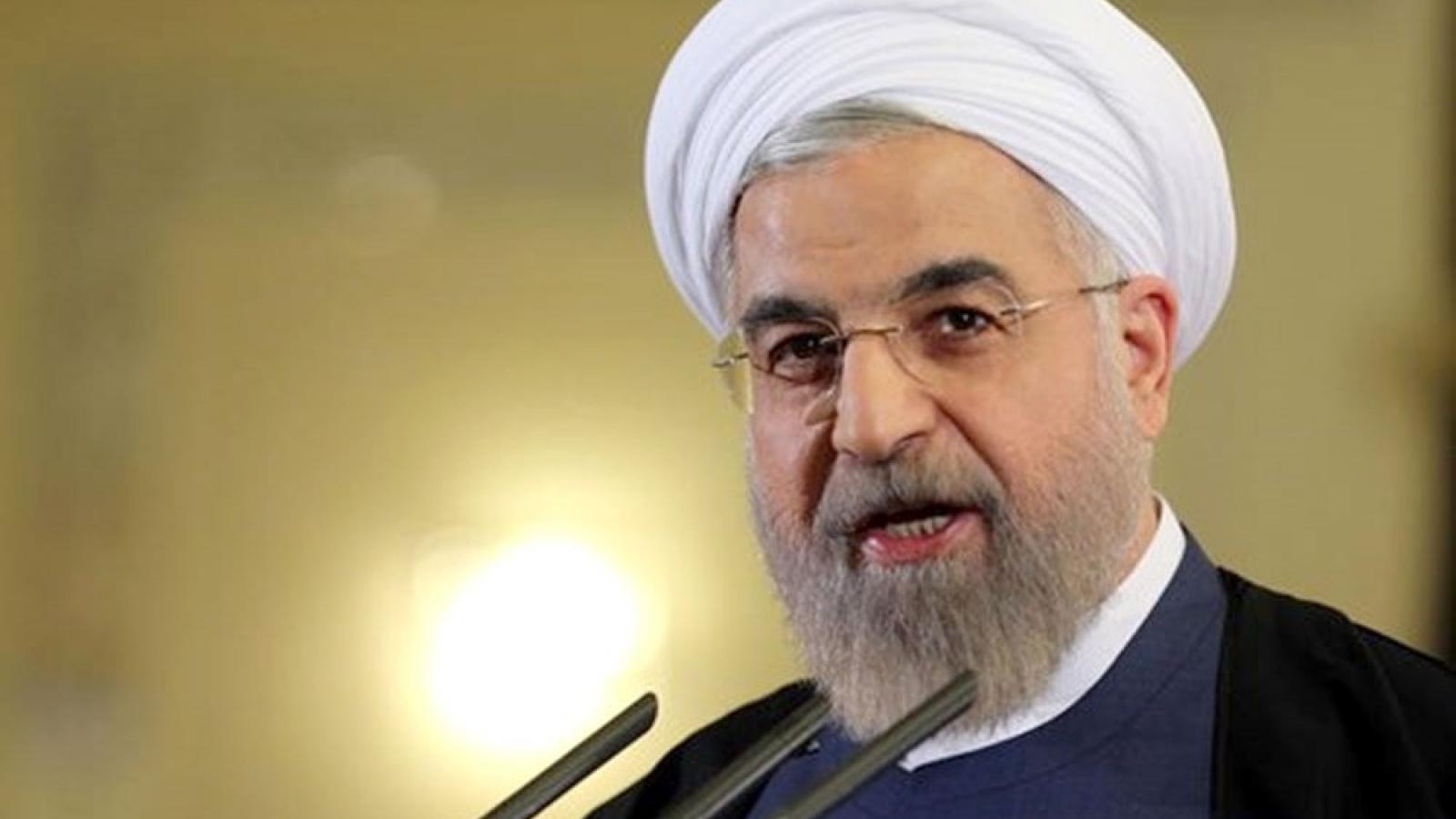 Tổng thống Iran: tên lửa mới chế tạo để phòng vệ, không phải gây hấn
