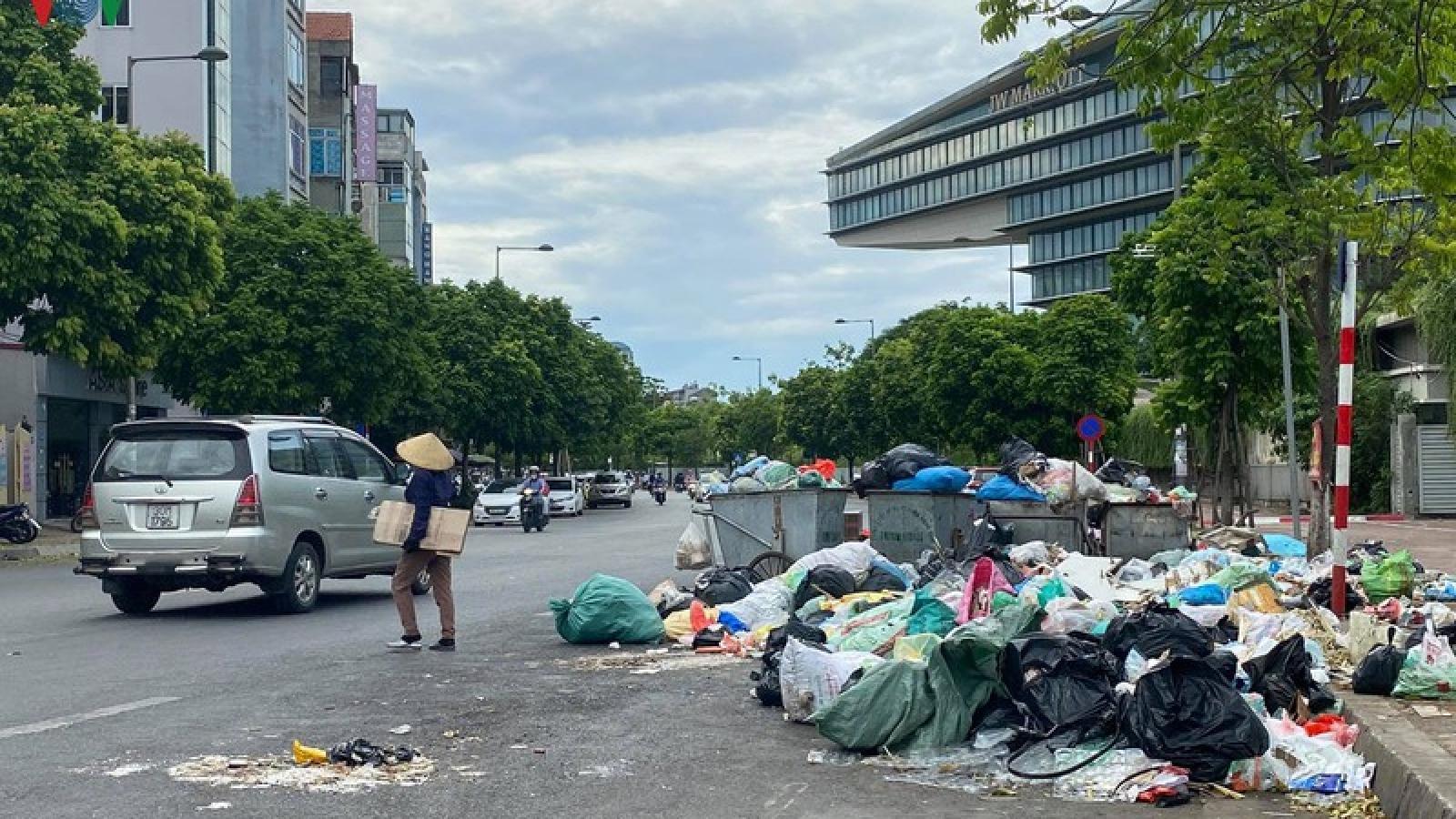 Video: Hà Nội làm gì để giải quyết dứt ùn ứ rác thải ở nội thành?