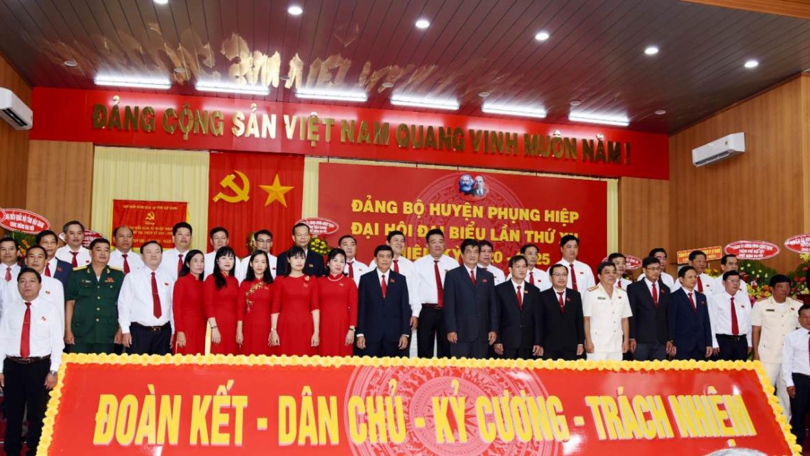 Ông Nguyễn Văn Bảy tái đắc cử Bí thư Huyện ủy Phụng Hiệp, Hậu Giang