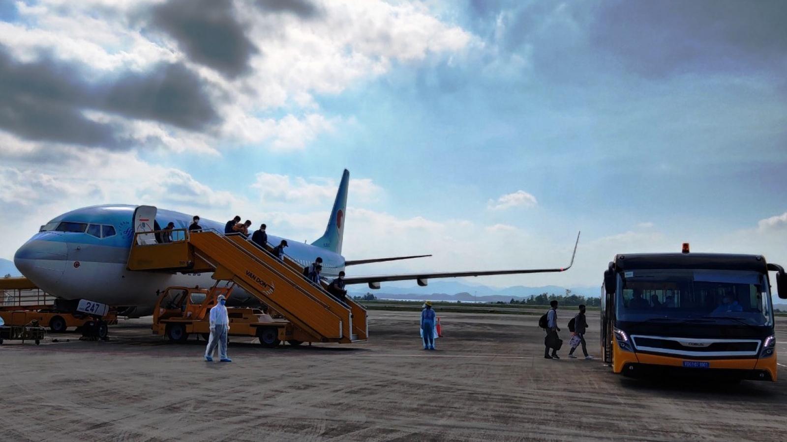 Sân bay Vân Đồn đón 340 chuyên gia Hàn Quốc theo quy trình đặc biệt