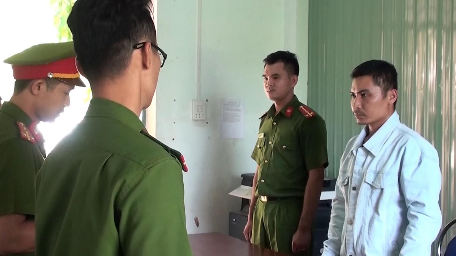 Bắt đối tượng ứng tiền cho lâm tặc phá rừng ở Kon Tum