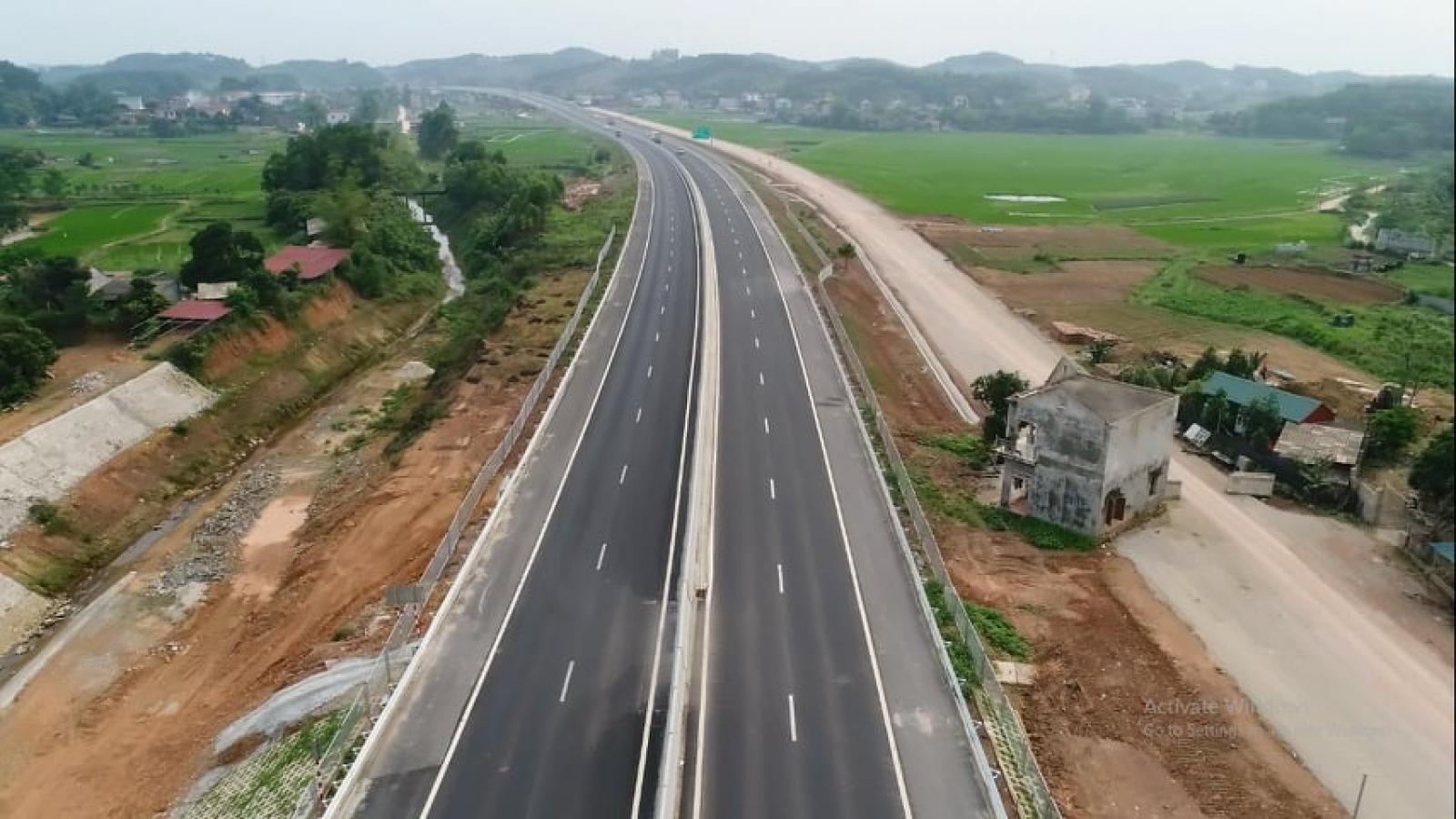 Vướng 2 hộ dân, đường gom cao tốc Bắc Giang - Lạng Sơn vẫn dang dở