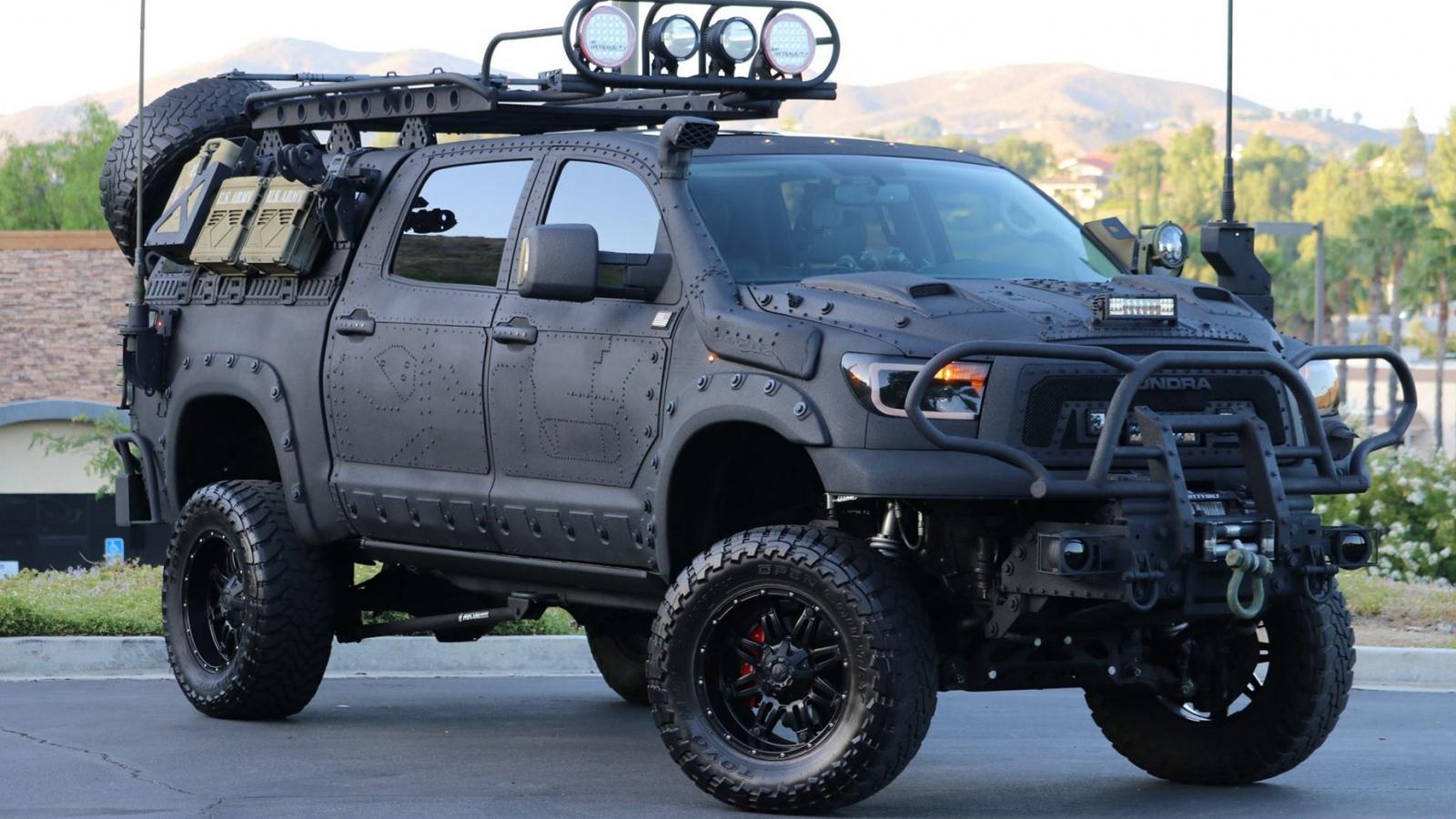 """""""Quái thú"""" Toyota Tundra với gói trang bị TRD Off-Road"""