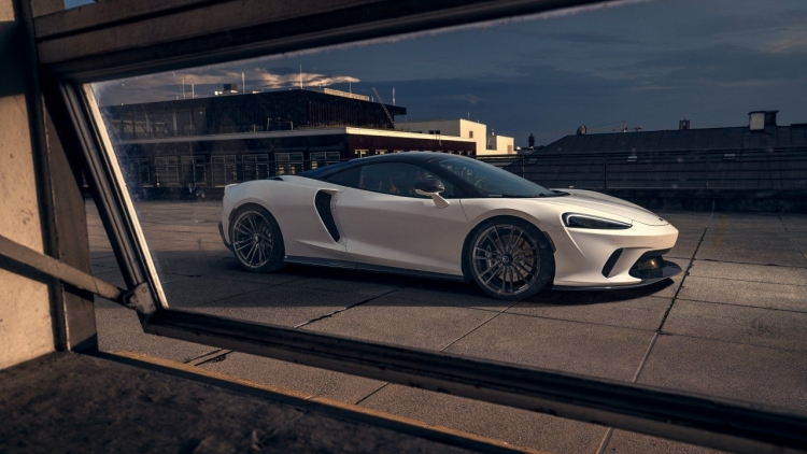 Hãng độ Novitec ra mắt gói độ cho McLaren GT