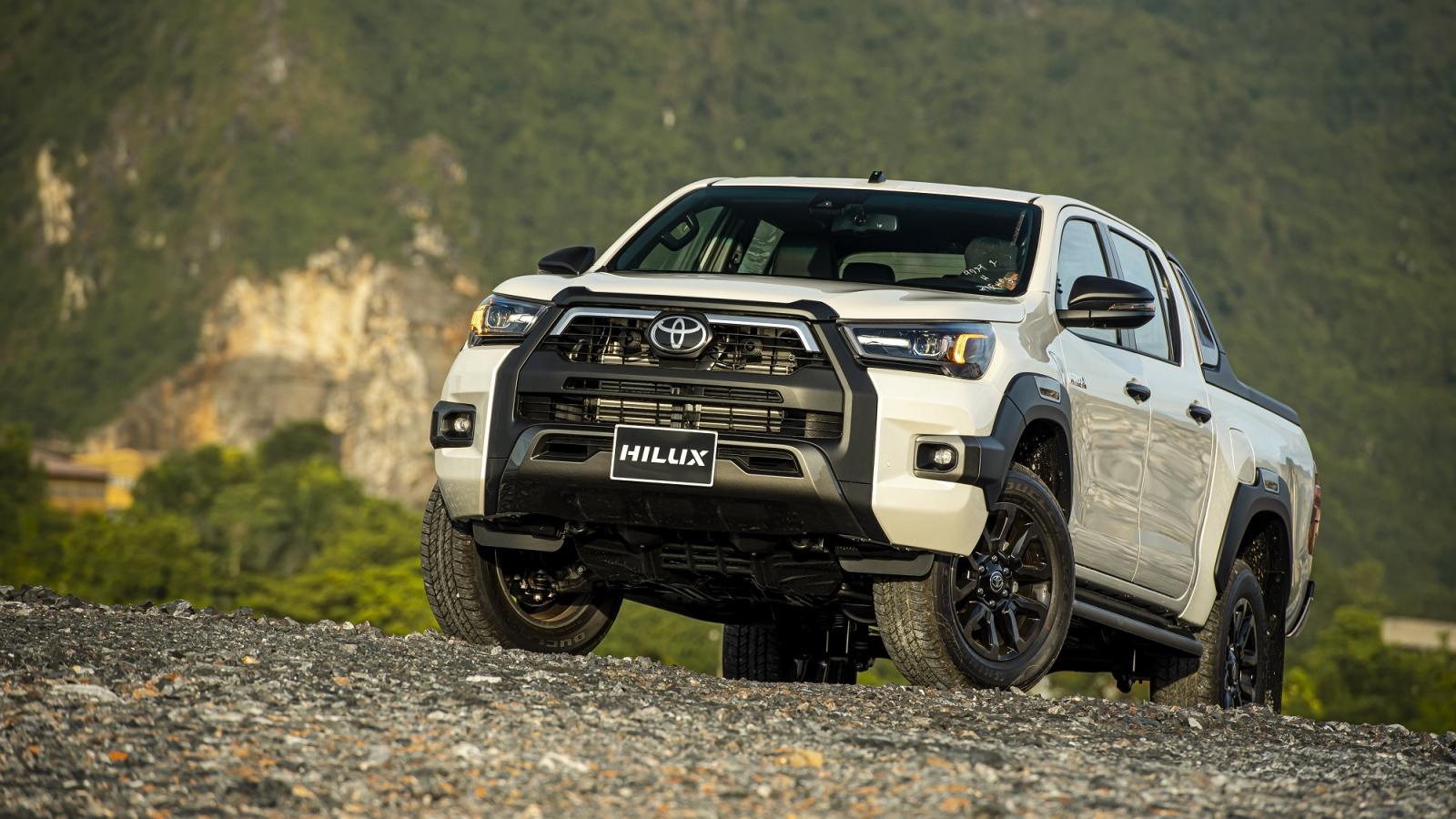 Khám phá những trang bị mới trên Toyota Hilux 2020