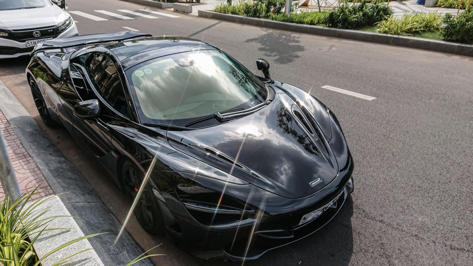 """Cận cảnh McLaren 720S Spider màu đen """"độc"""" nhất Việt Nam"""