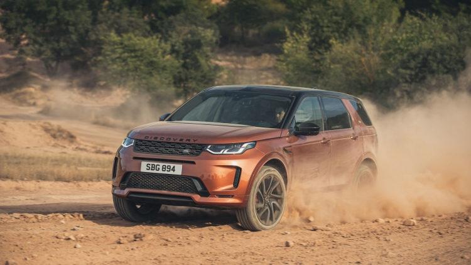 Land Rover Discovery Sport 2020 sử dụng động cơ, công nghệ mới