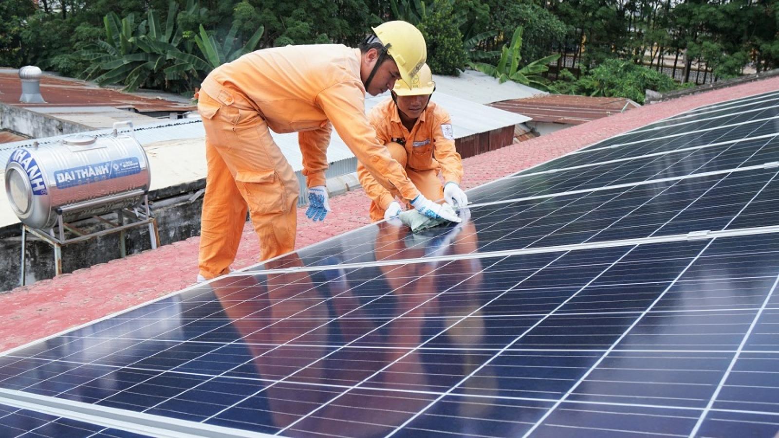 EVNSPC kêu gọi hợp tác phát triển điện mặt trời áp mái
