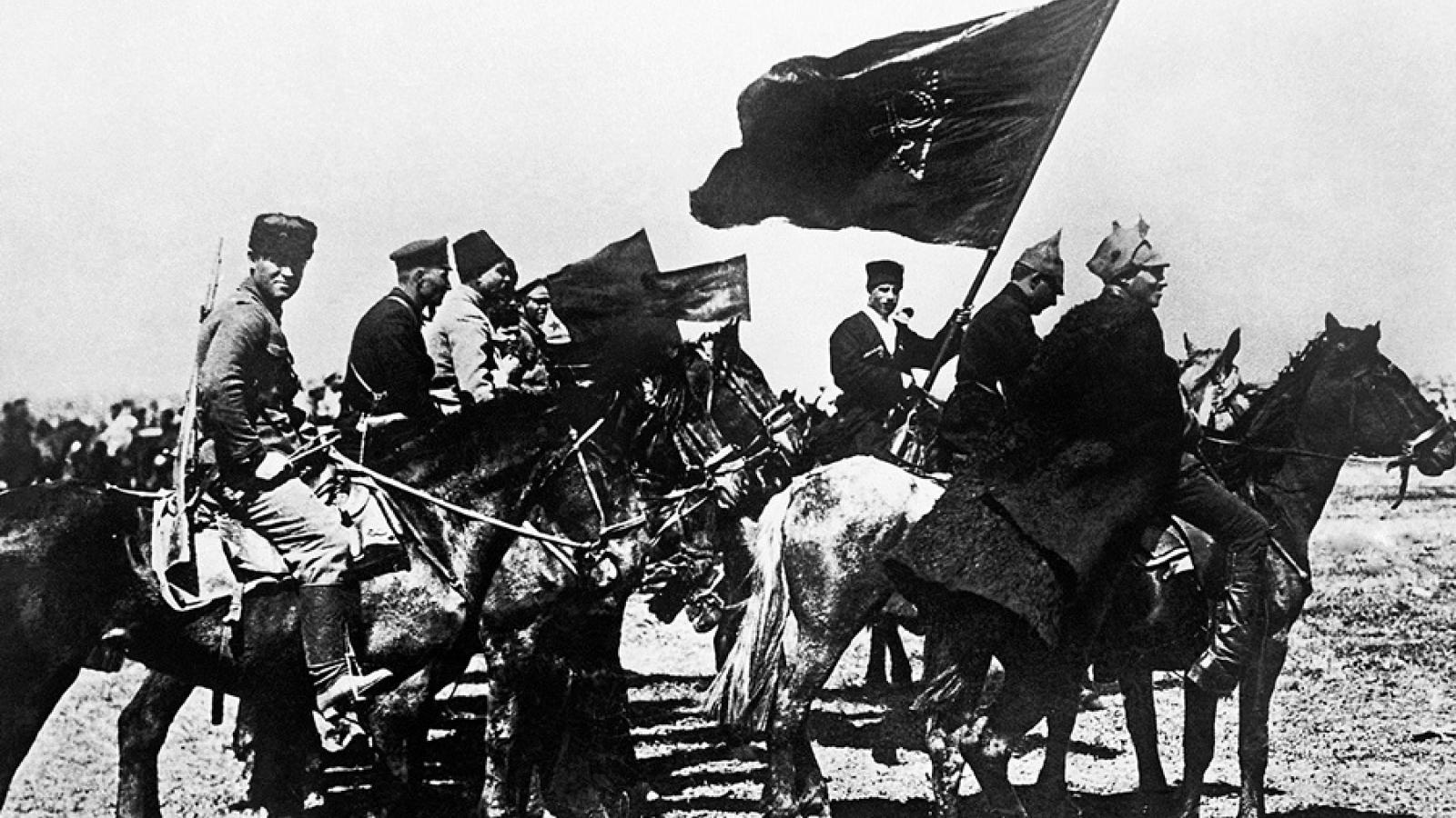 Hợp tác giữa phe Bolshevik và Bạch vệ Nga trên lãnh thổ Trung Quốc