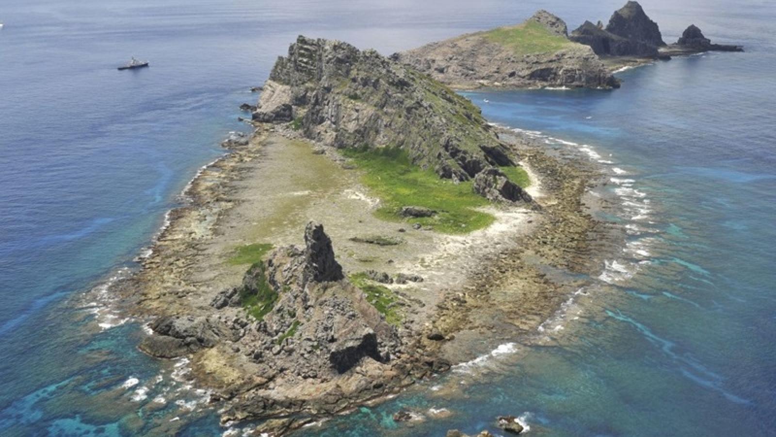 """Nhật Bản siết quản lý Senkaku/Điếu Ngư sau """"va chạm"""" với Trung Quốc"""