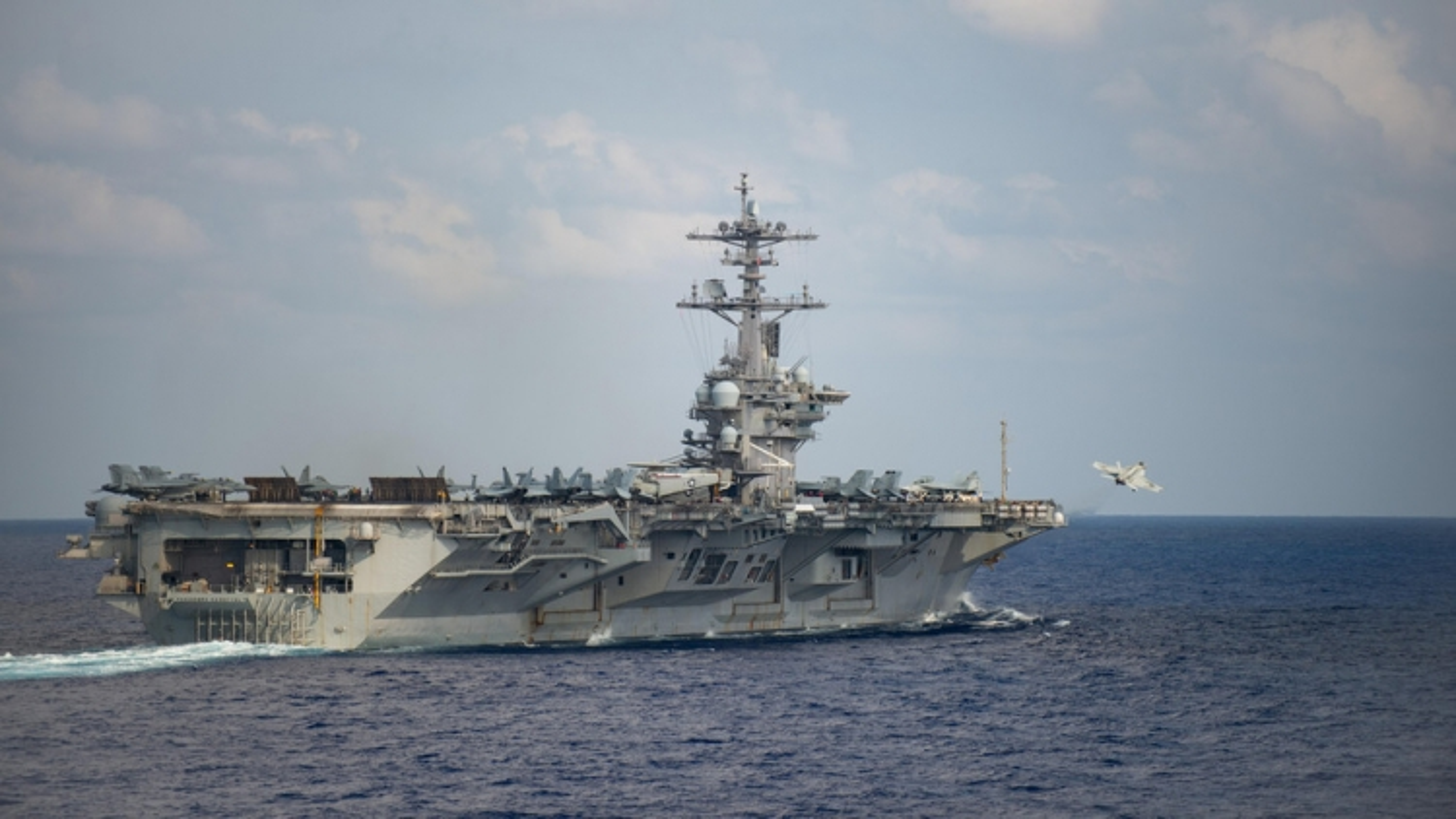 Mỹ lo ngại nguy cơ bùng phát dịch Covid-19 trên các tàu sân bay