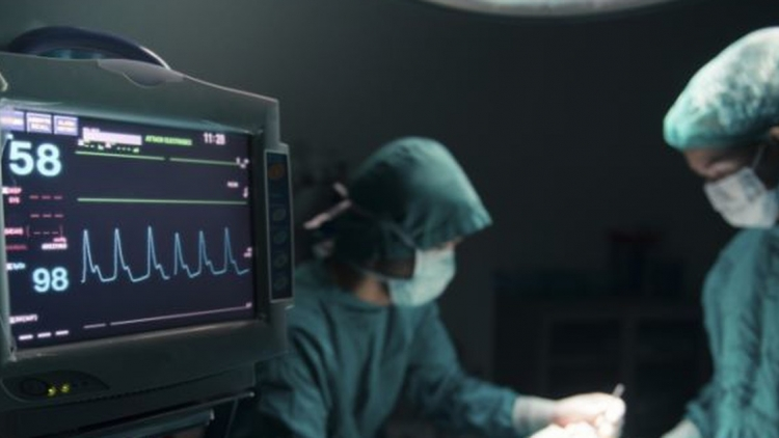 """Bác sĩ nâng ngực gây tử vong đã bị đình chỉ, vẫn hoạt động """"chui"""""""