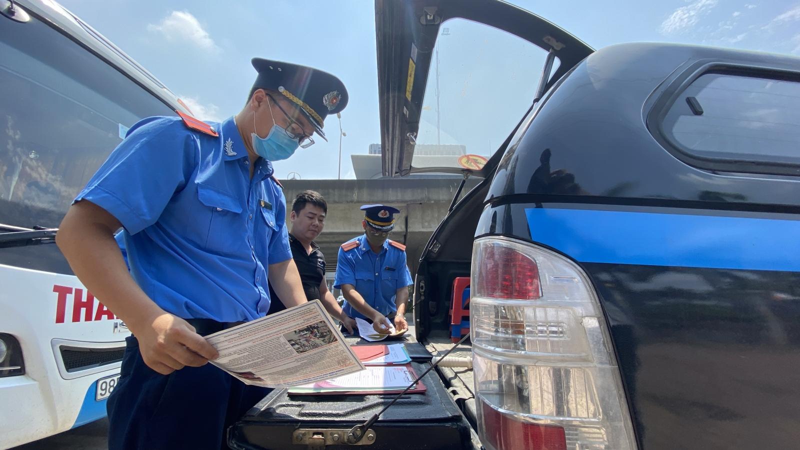 Hà Nội ra quân xử lý hàng loạt xe khách vi phạm tại bến xe Mỹ Đình