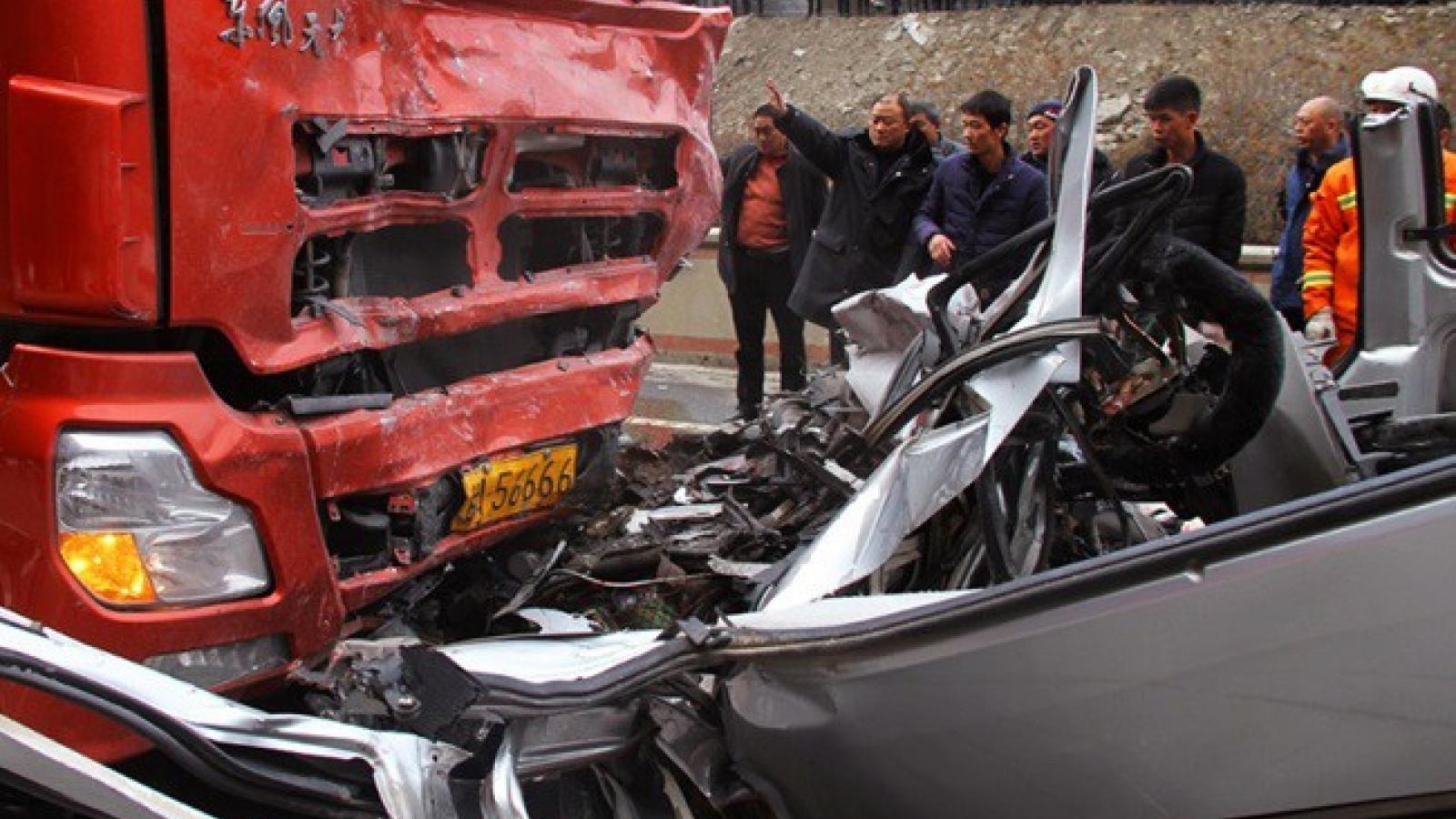 Tai nạn giao thông nghiêm trọng tại Trung Quốc khiến 9 người chết