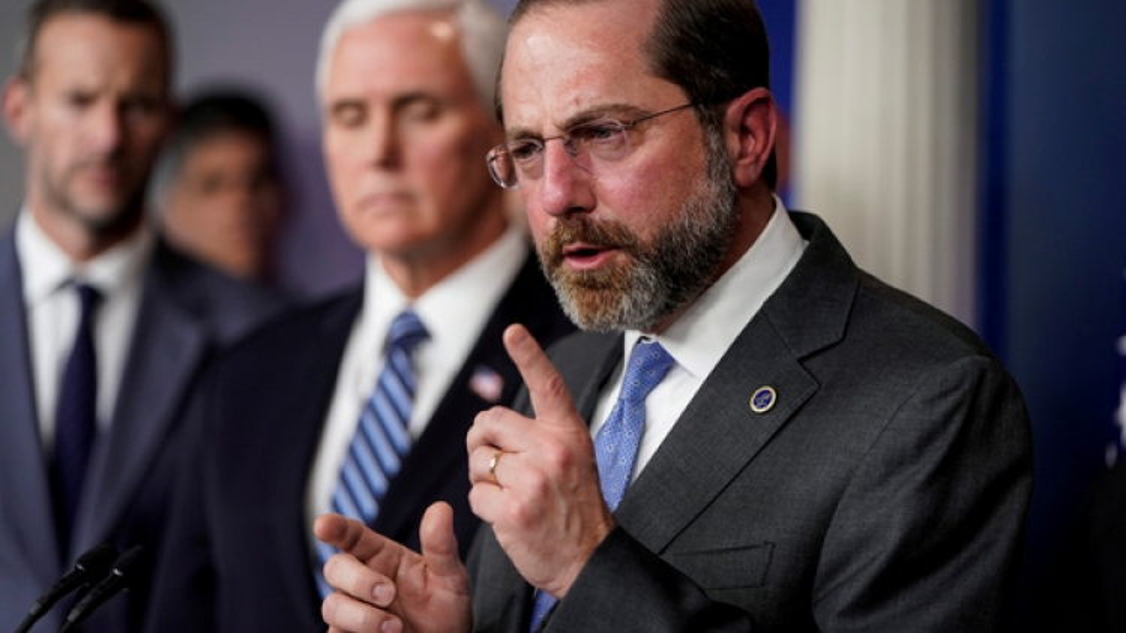 Tổng thống Trump bác tin đồn sa thải Bộ trưởng Y tế và Dịch vụ nhân sinh