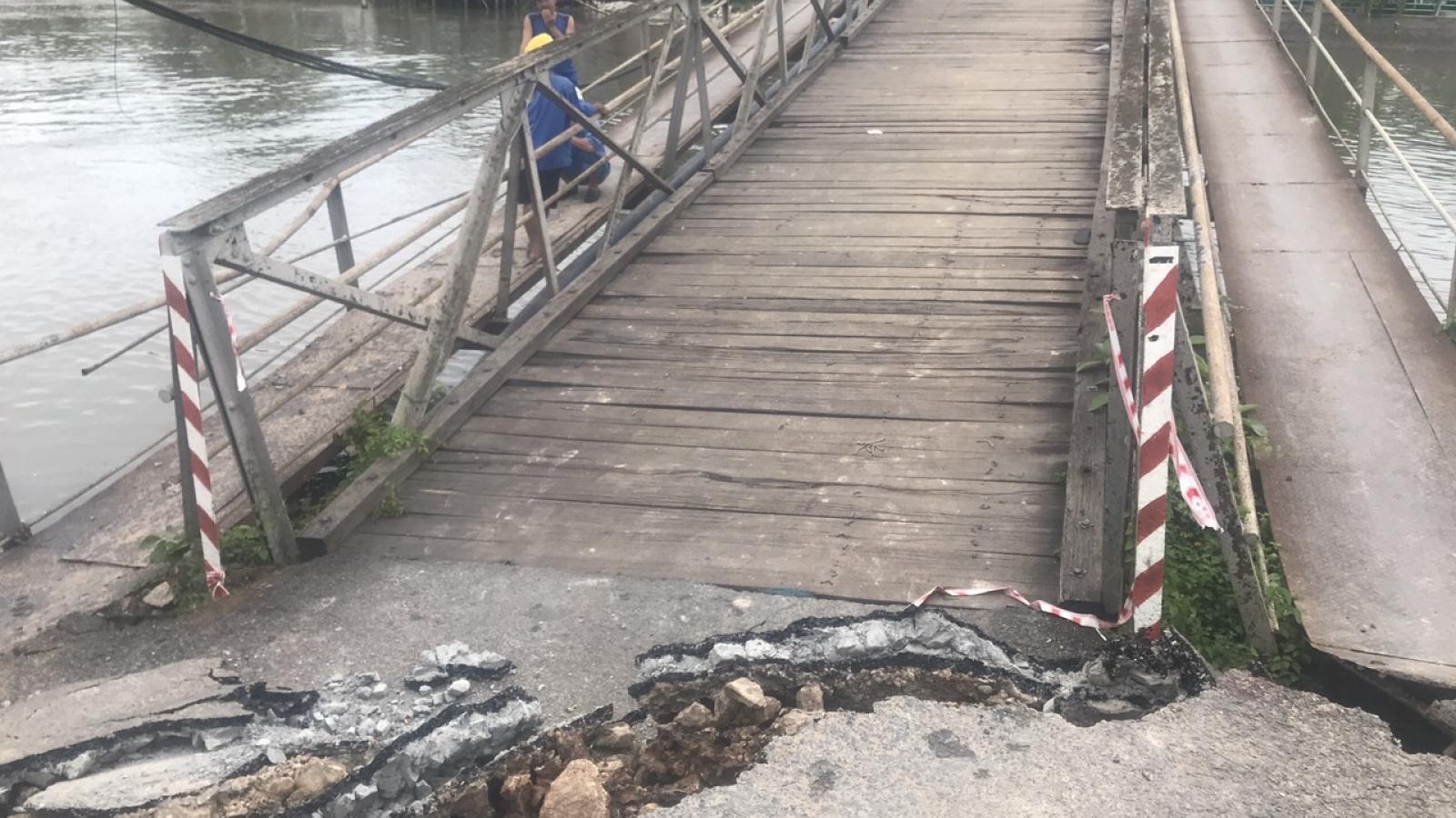 Cầu sập do sạt lở, giao thông tỉnh lộ 918 bị chia cắt