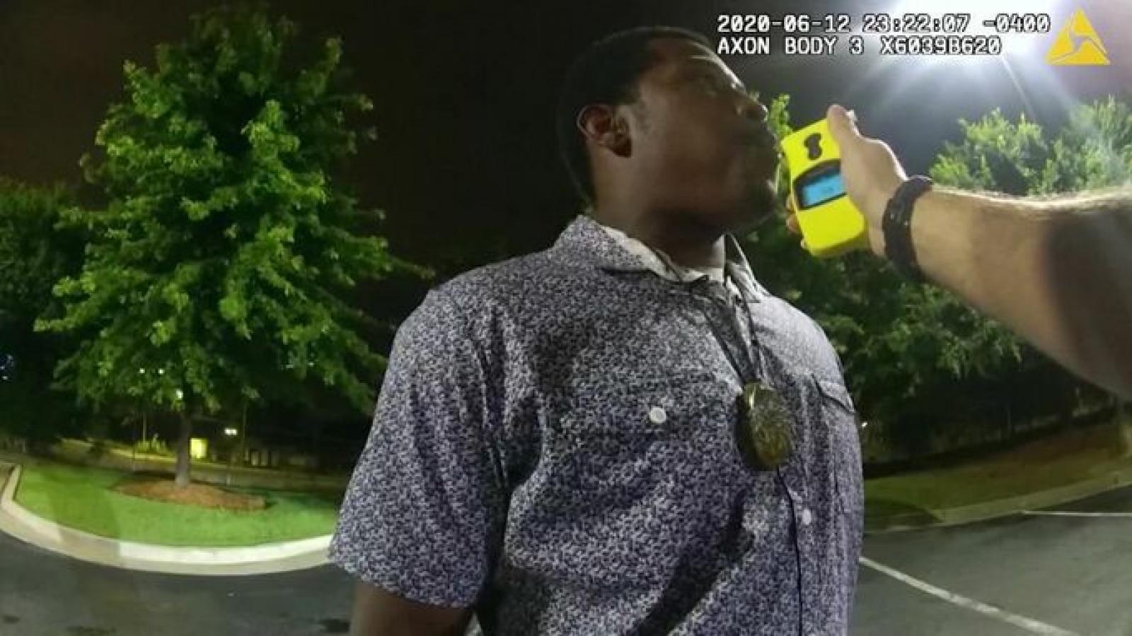 Tình tiết bất ngờ vụ án cảnh sát Mỹ bắn chết người da màu tại Atlanta