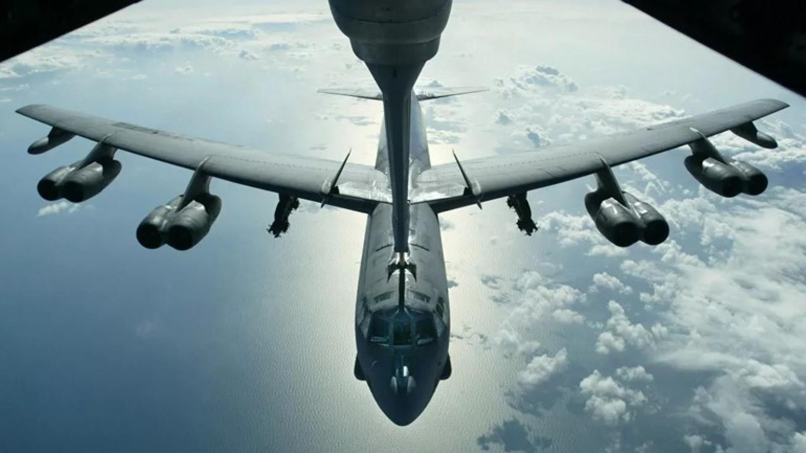 Chiến đấu cơ Su-30 của Nga chặn 3 máy bay quân sự Mỹ trên Biển Đen