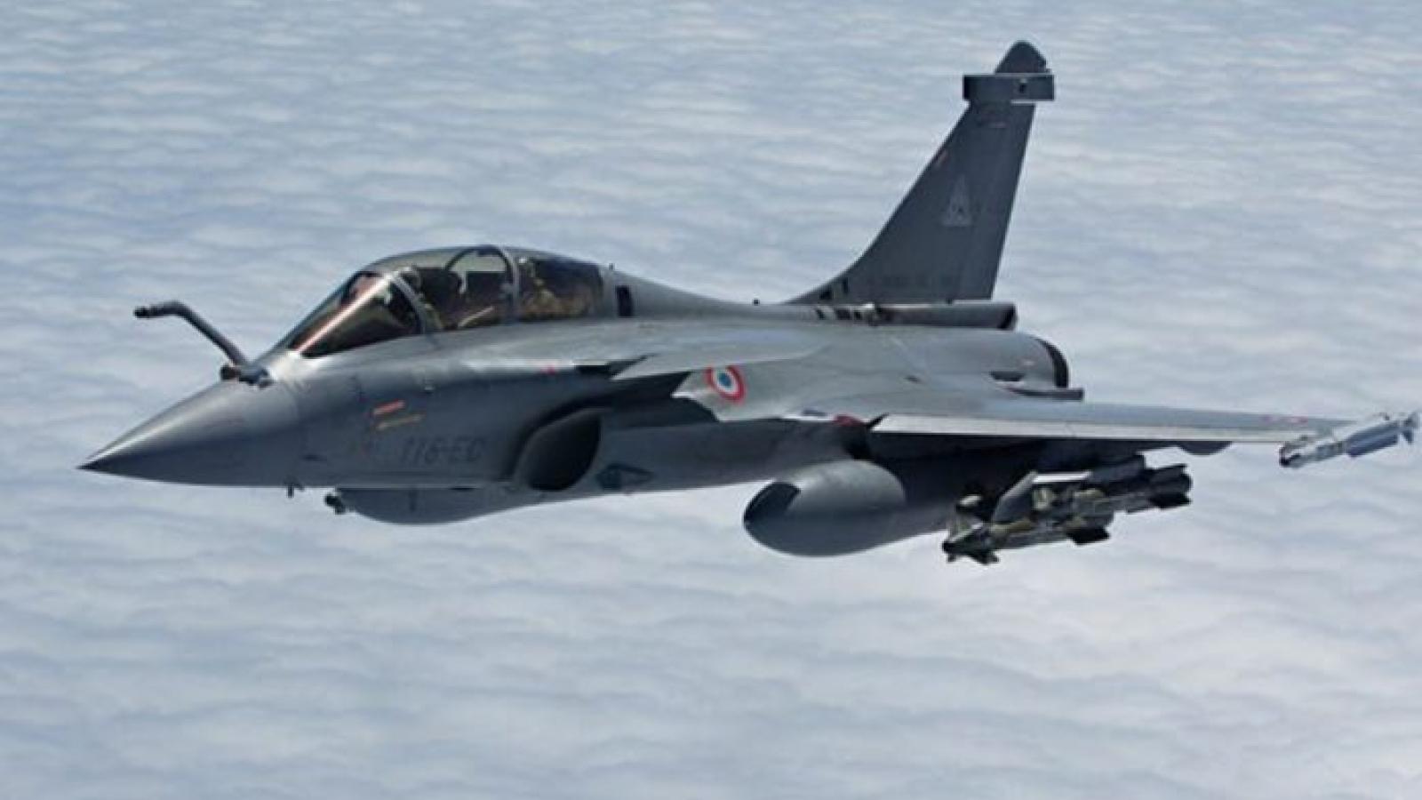Ấn Độ nhận 5 tiêm kích Rafale của Pháp giữa lúc căng thẳng với Trung Quốc