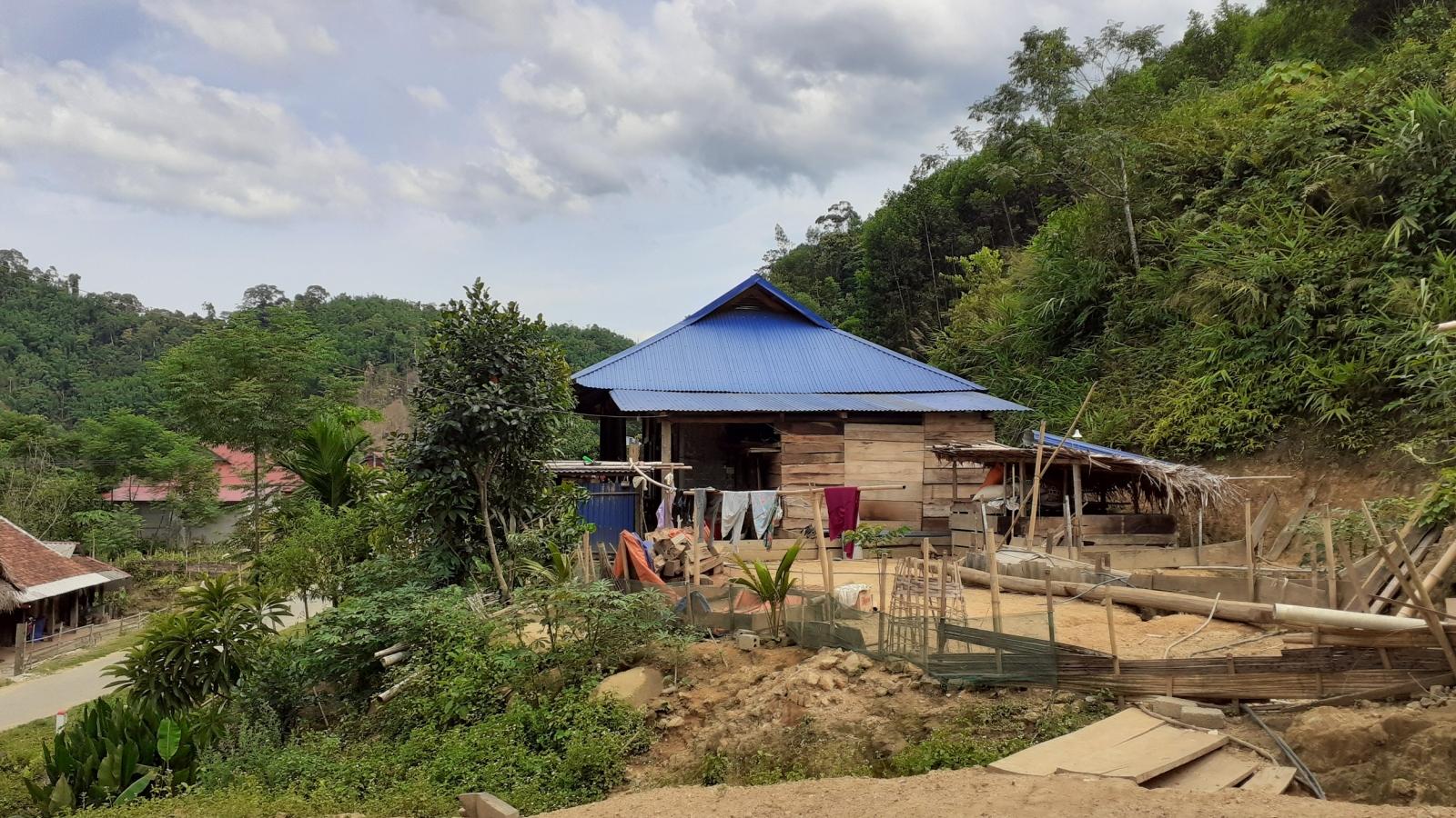 Xóa đói giảm nghèo từ việc giao đất, giao rừng