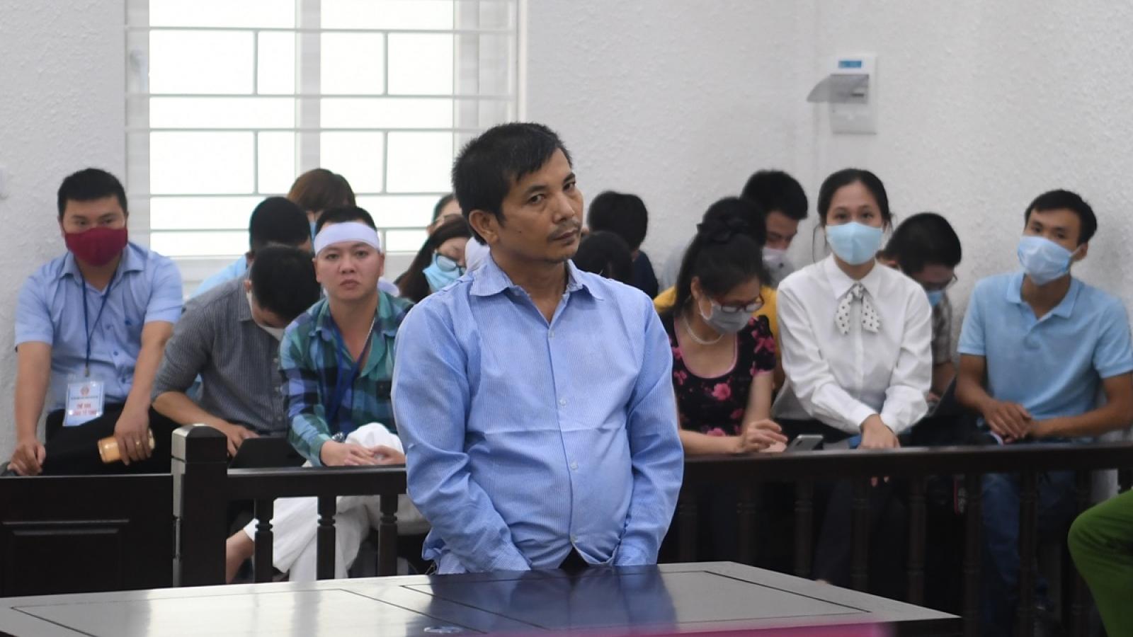Vụ án giết người chặt xác ném xuống sông: Bị cáo liên tục chối tội