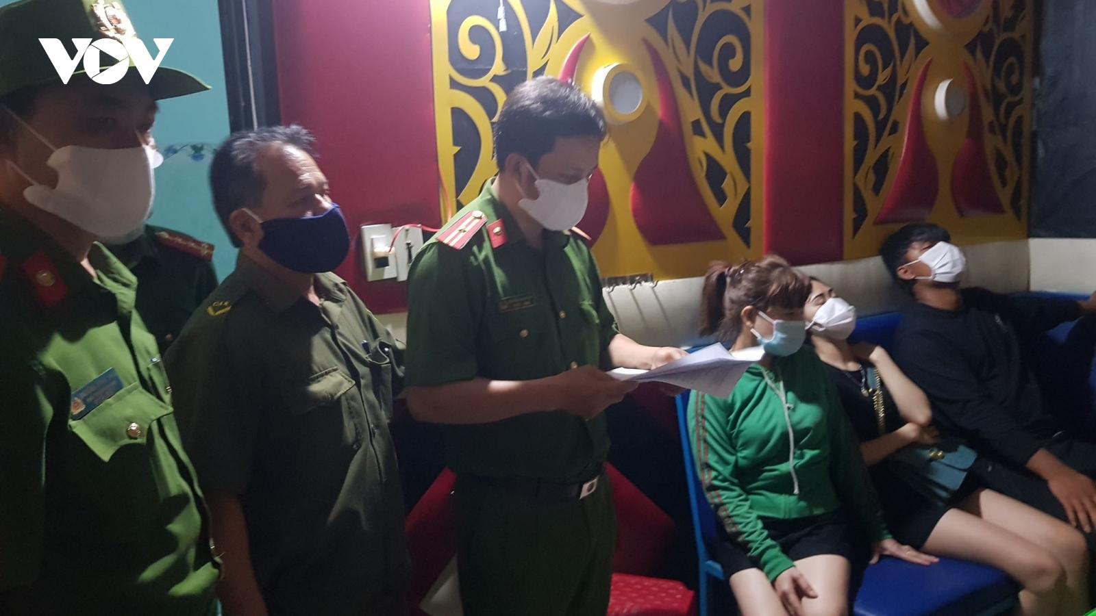 Quảng Nam phát hiện nhiều người dương tính với ma túy trong quán karaoke