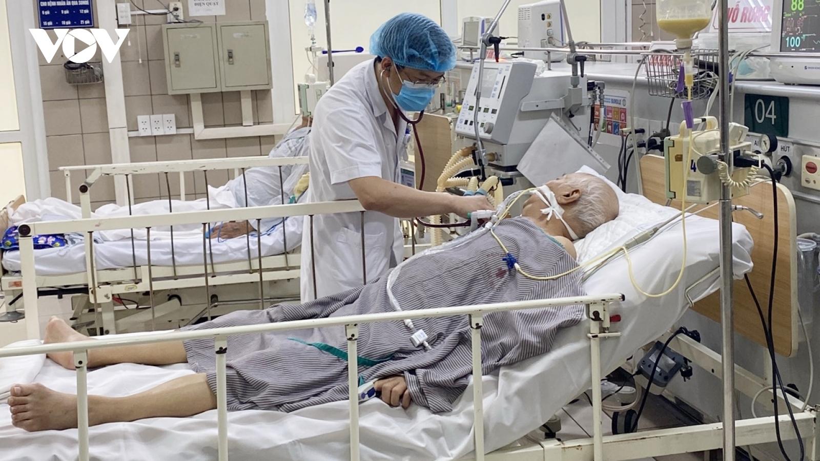 Một ca ngộ độc Pate Minh Chay liệt hoàn toàn các cơ, phụ thuộc máy thở