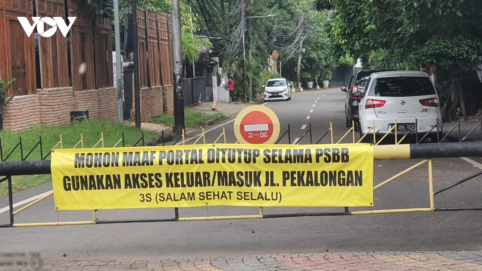 Tái giãn cách xã hội, Jakarta (Indonesia) đặt trong tình trạng khẩn cấp do Covid-19