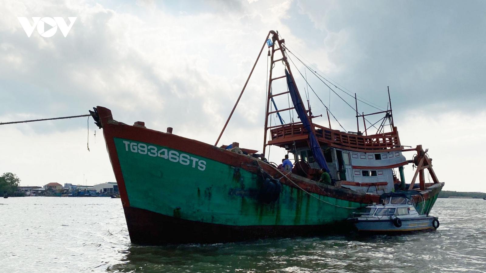 Tiền Giang: Khởi tố, bắt giam 4 tháng đối với ngư phủ giết chết chủ tàu cá