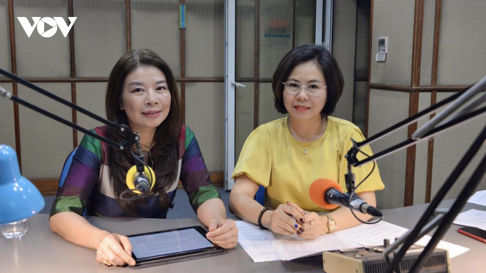 Vai trò của nữ nghị sỹ trong việc đảm bảo việc làm và thu nhập của lao động nữ