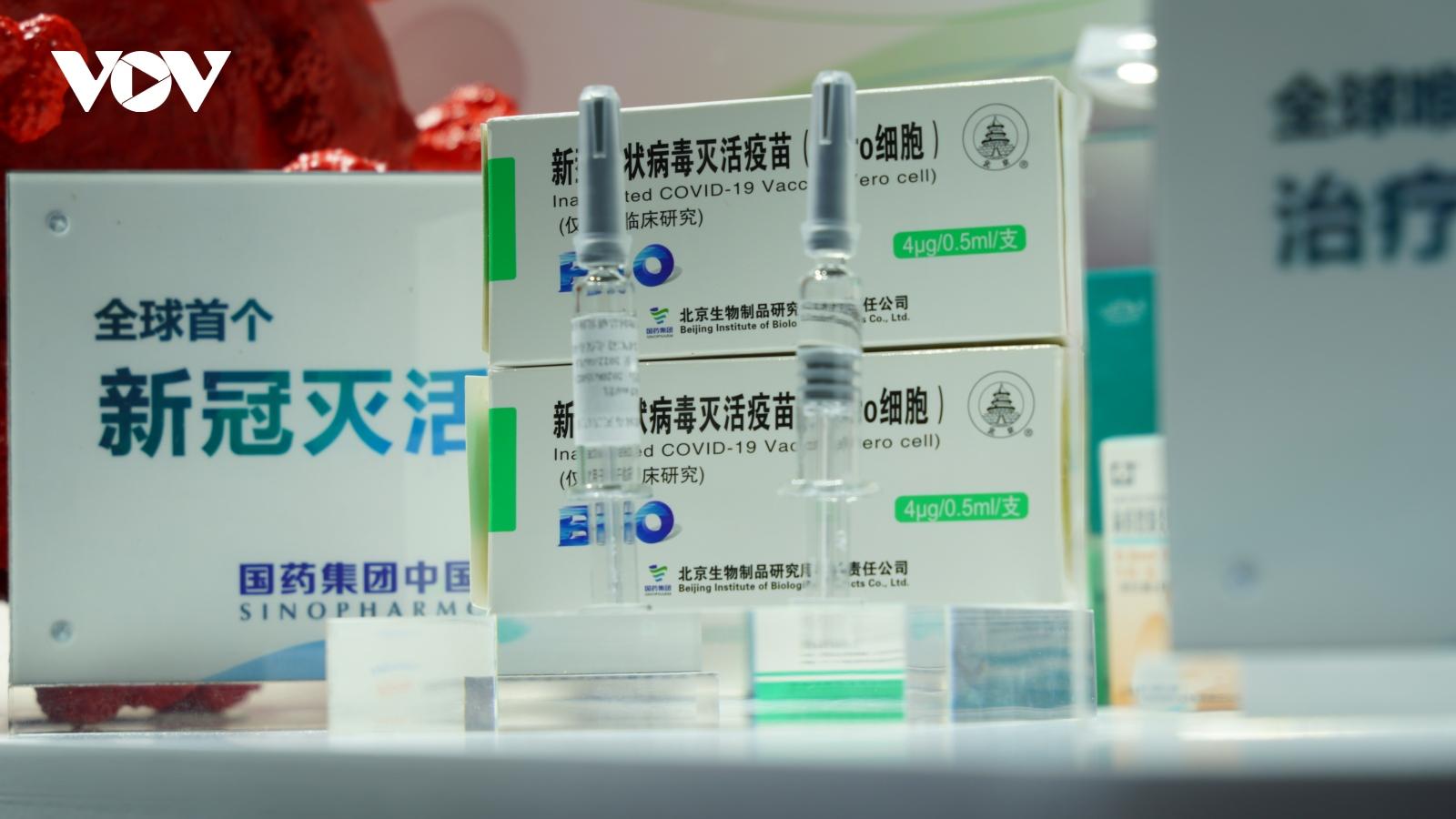 Trung Quốc lần đầu tiên giới thiệu vaccine Covid-19 ra công chúng