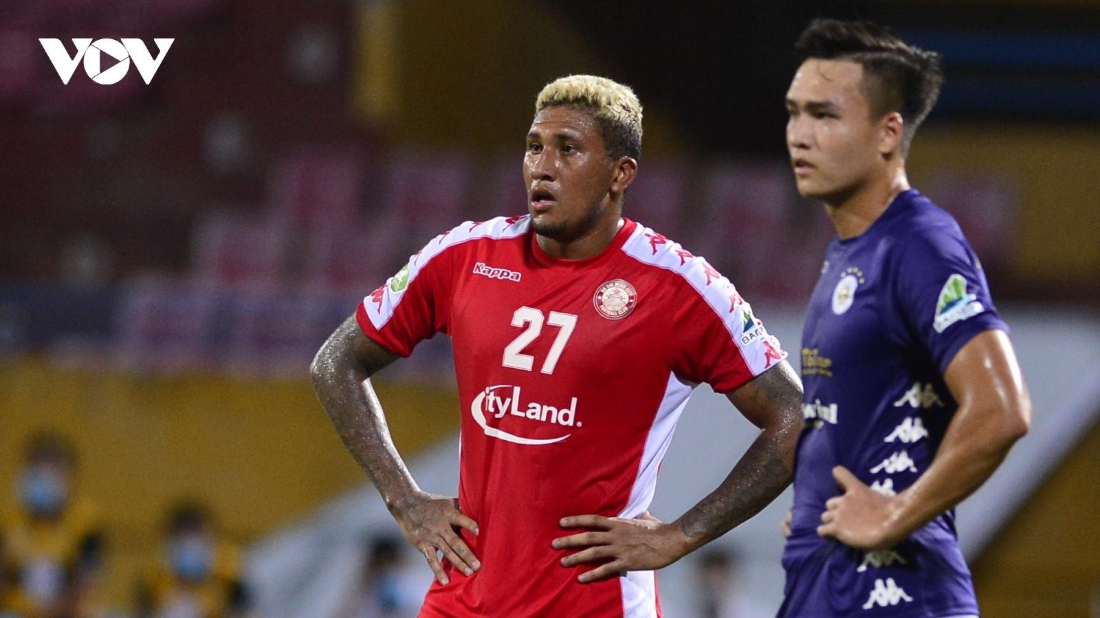 """Ảnh: Hà Nội FC khiến hai ngoại binh tiền tỉ của TPHCM """"khóc thét"""""""
