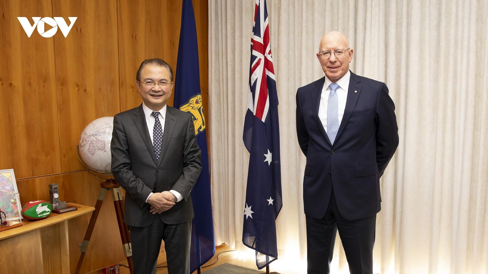 Đại sứ Ngô Hướng Nam chào từ biệt Toàn quyền Australia