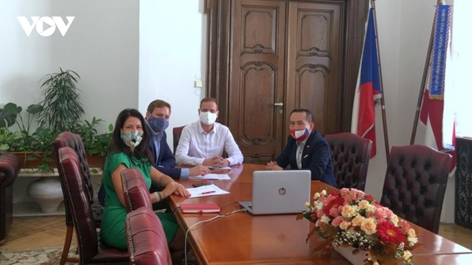 Thiết lập quan hệ hữu nghị và hợp tác toàn diện giữa Đà Nẵng và Brno (CH Séc)