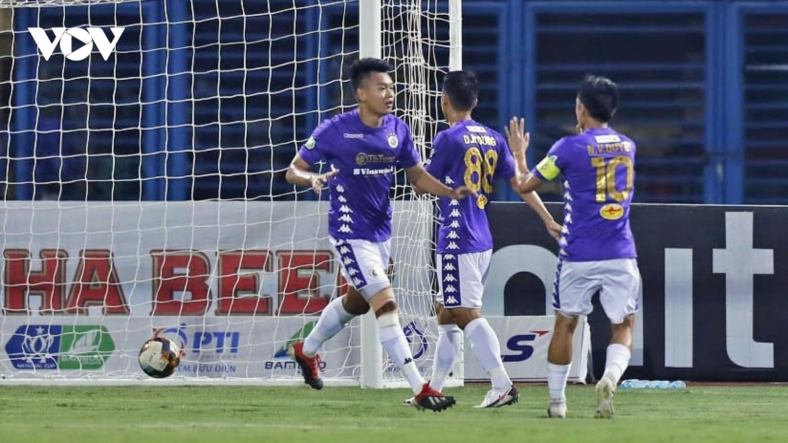 """Thành Chung mở tỷ số, Hà Nội FC """"đè bẹp"""" Cần Thơ 7-0 để tiến vào bán kết Cúp Quốc gia 2020"""