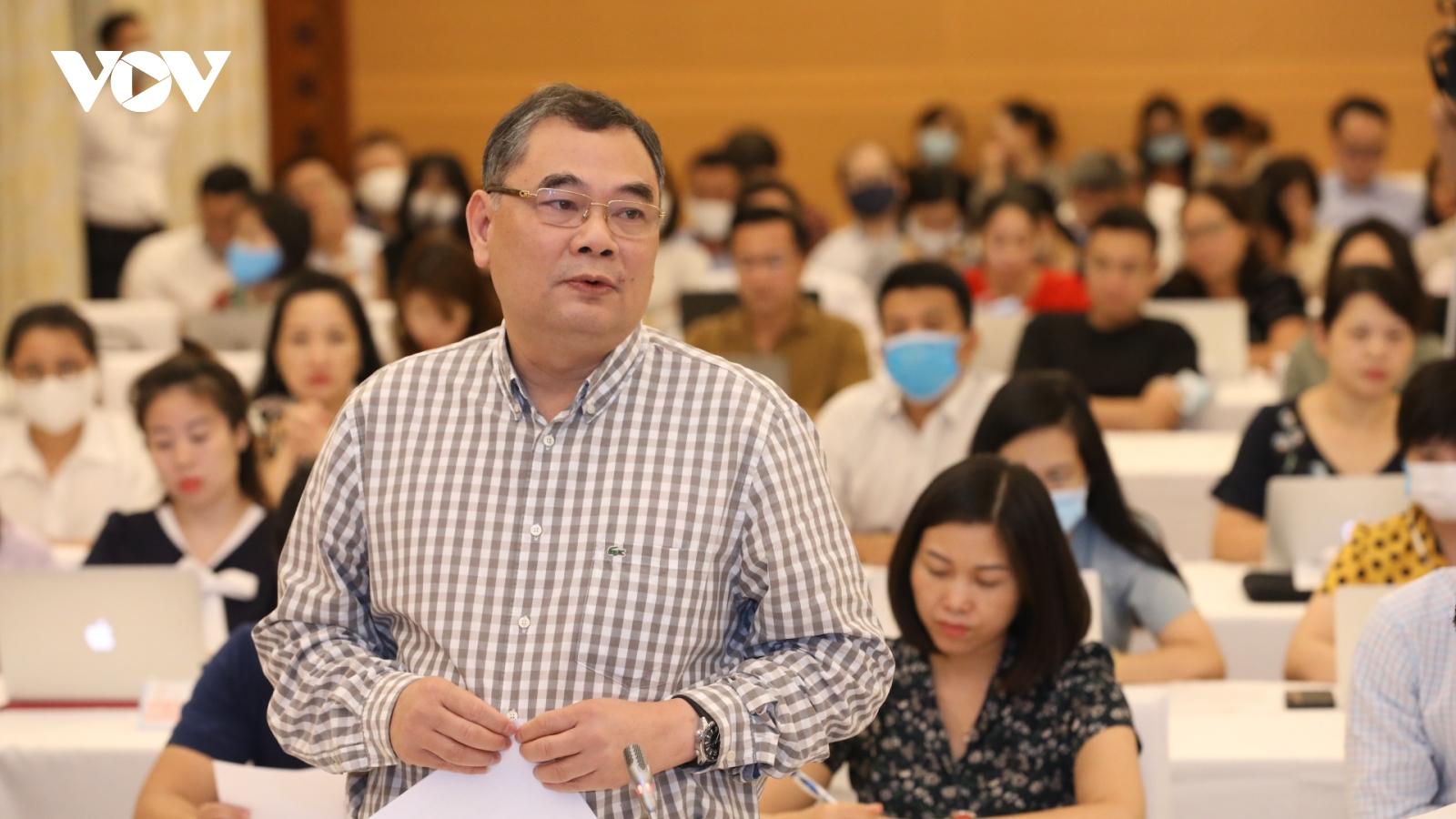 Người bệnh bị móc túi hơn 10 tỷ đồng trong vụ nâng khống thiết bị y tế tại BV Bạch Mai