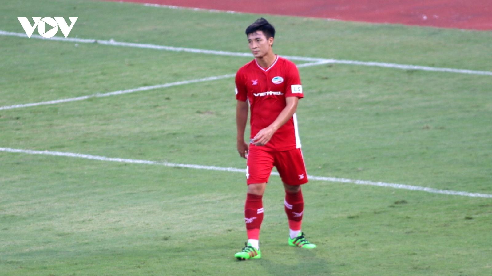 Thành Chung lại ghi bàn, Bùi Tiến Dũng phản lưới trong trận Hà Nội FC thắng dễ Viettel