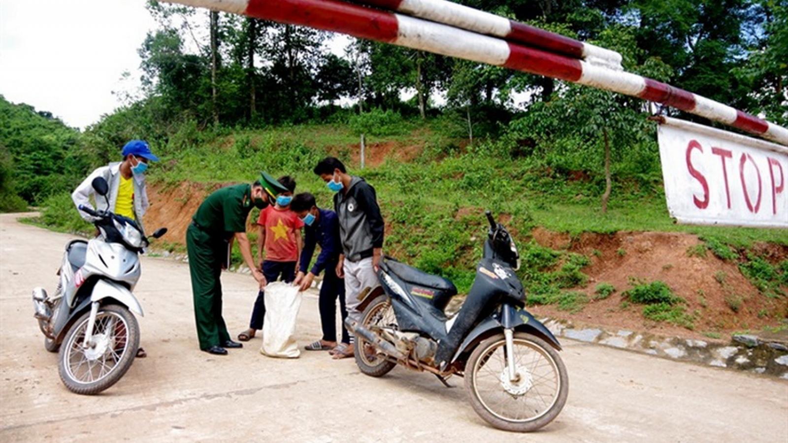"""BĐBP Quảng Bình """"vượt nắng, thắng mưa"""" chống dịch nơi biên giới"""