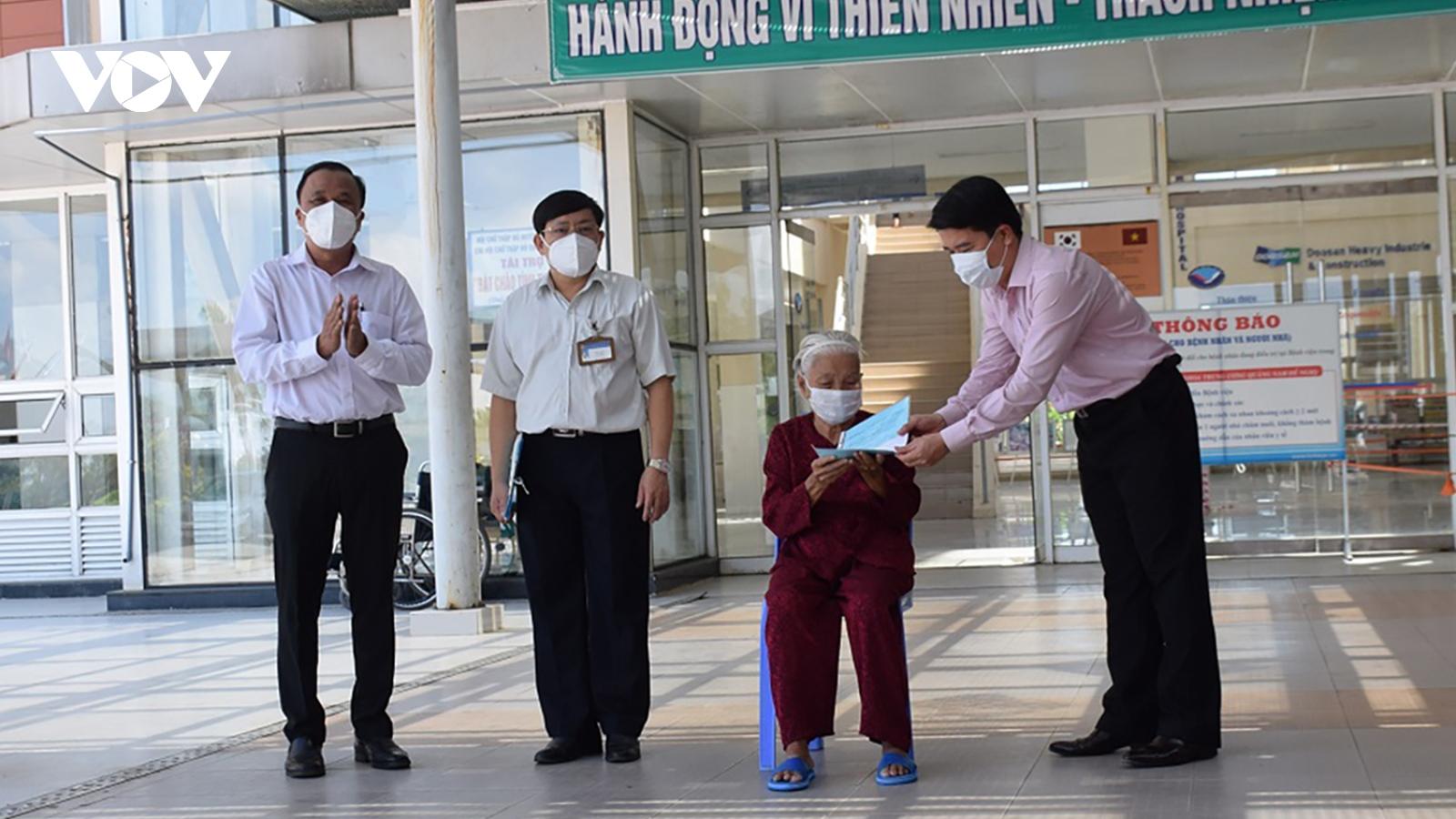 Bệnh nhân 5 tuổi từng mắc Covid-19 ở Quảng Nam được xuất viện