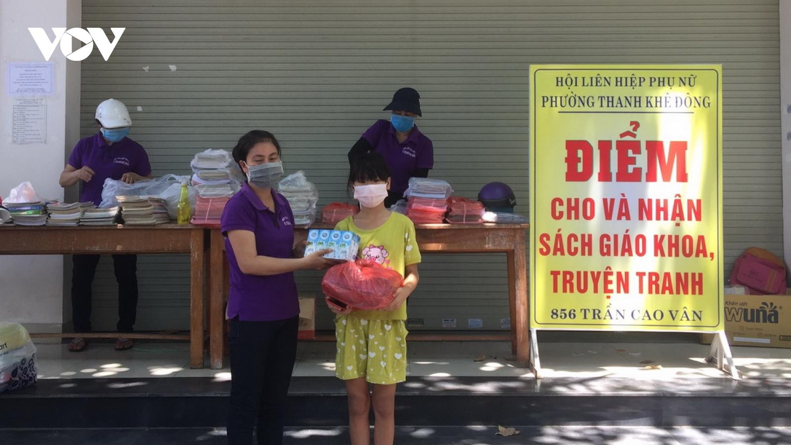 Gom sách cũ tặng học sinh nghèo trước năm học mới ở Đà Nẵng