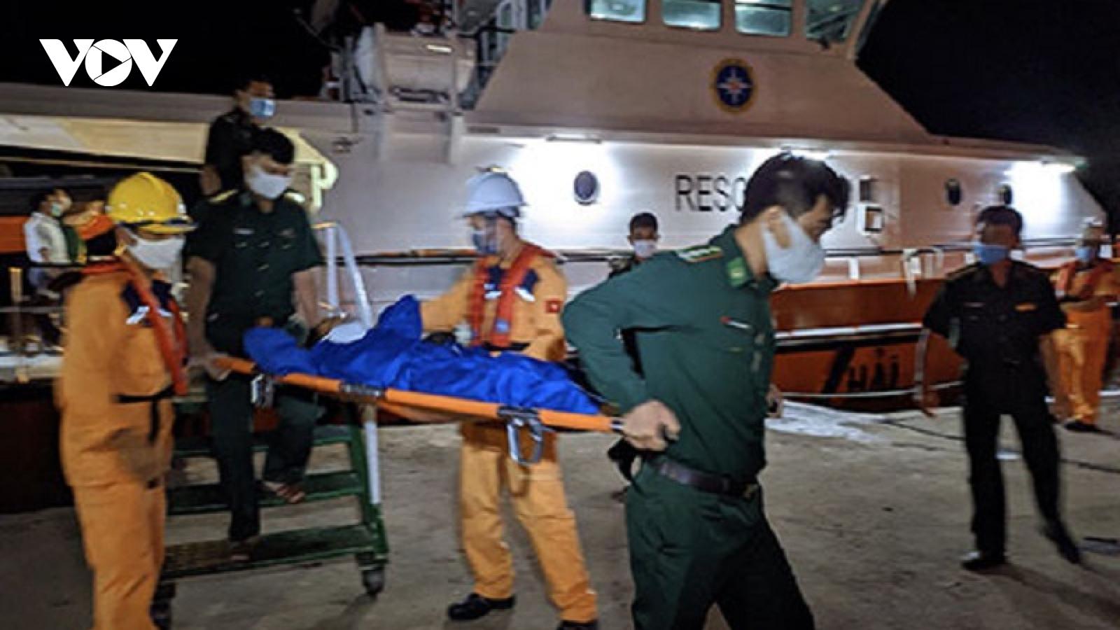 Tàu cá bị tàu hàng đâm chìm, hàng chục ngư dân gặp nạn ở Bình Thuận