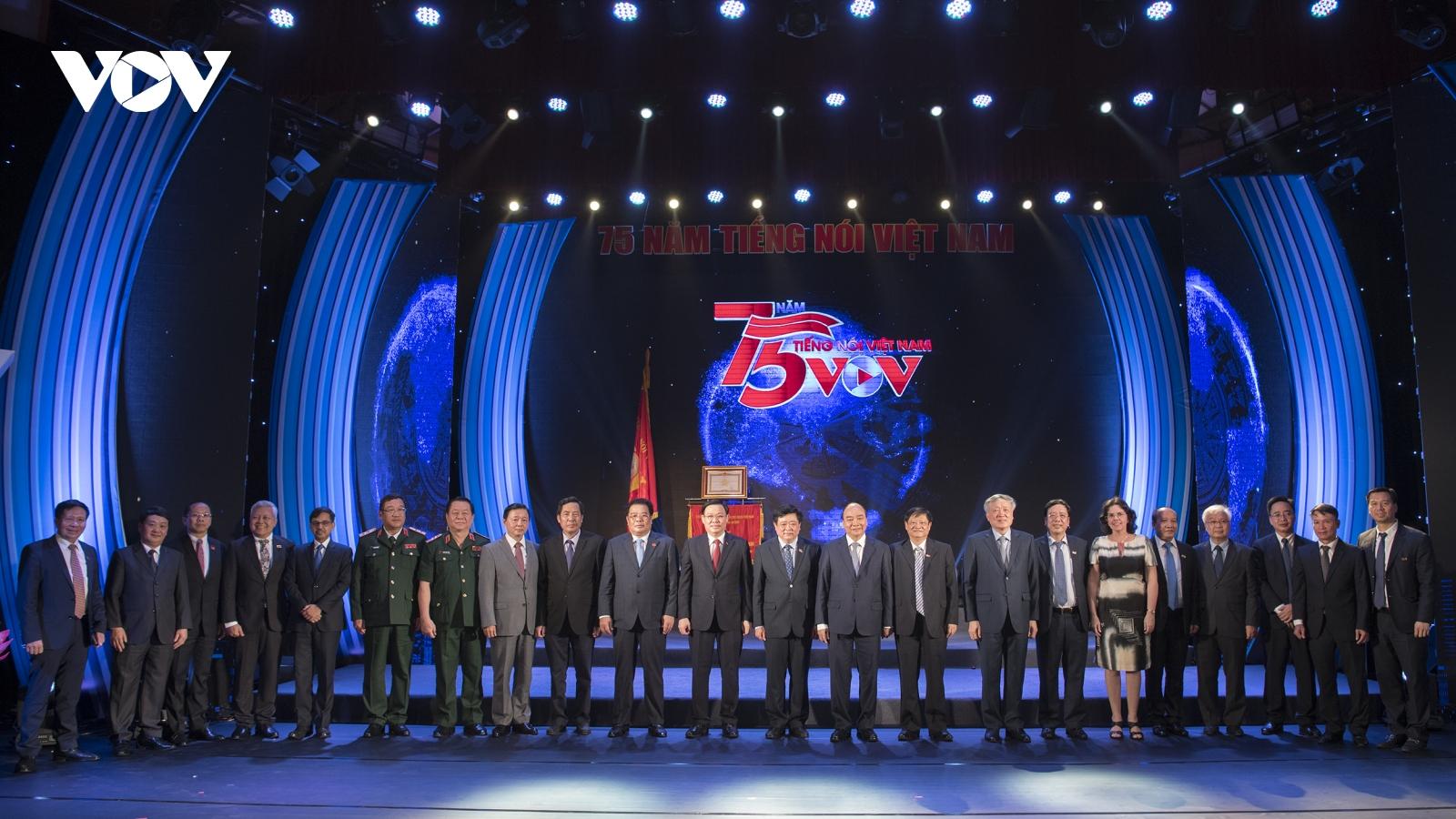 Toàn cảnh: VOV tổ chức lễ kỷ niệm 75 năm ngày thành lập và đón nhận 4 danh hiệu cao quý