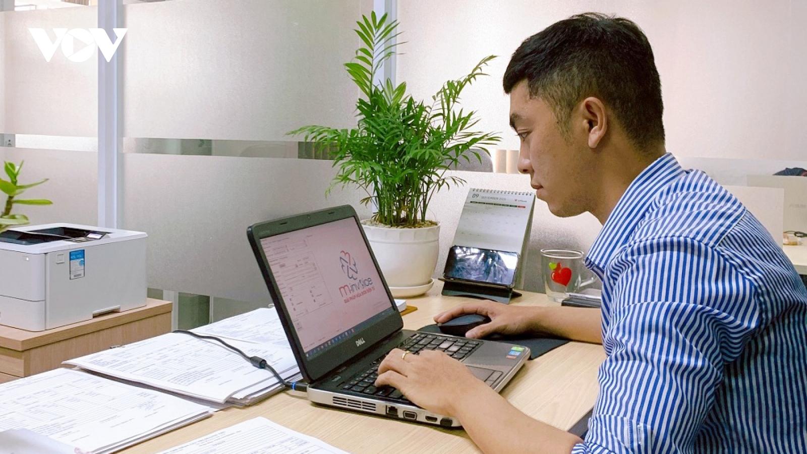 TPHCM còn nhiều vướng mắc trong sử dụng hóa đơn điện tử