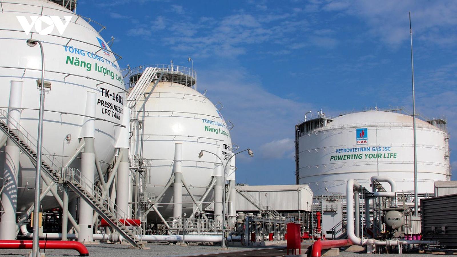 Tăng nhập khẩu than và khí làm giảm khả năng tự chủ về năng lượng
