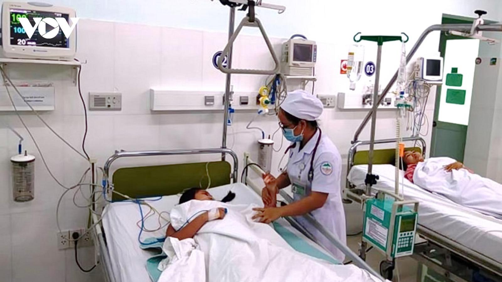 Số ca mắc sốt xuất huyết và tay chân miệng ở Khánh Hòa tăng mạnh