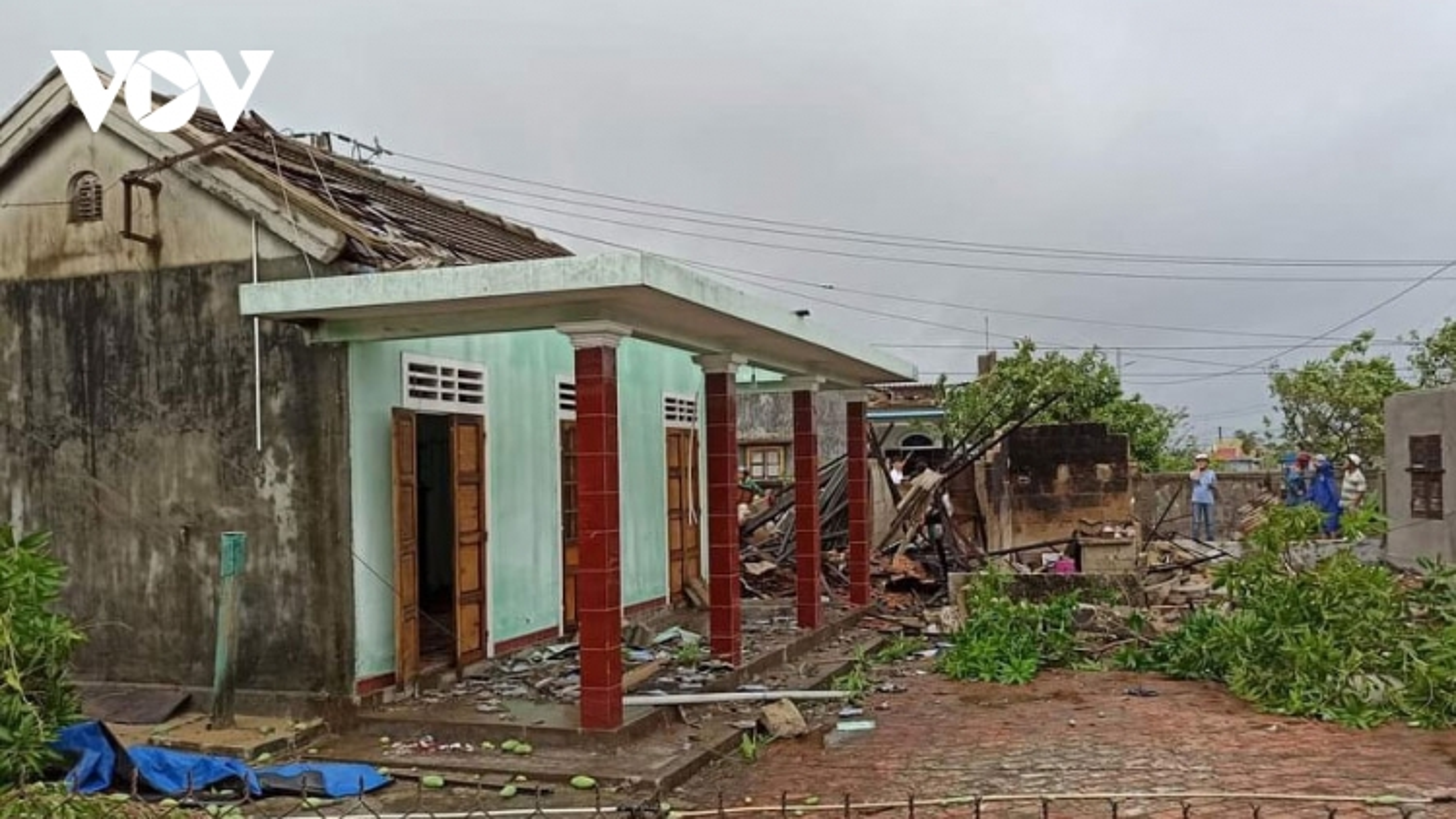 Thừa Thiên Huế: Bão số 5 làm1 người chết, 23 người bị thương, gần 1.700 nhà bị tốc mái